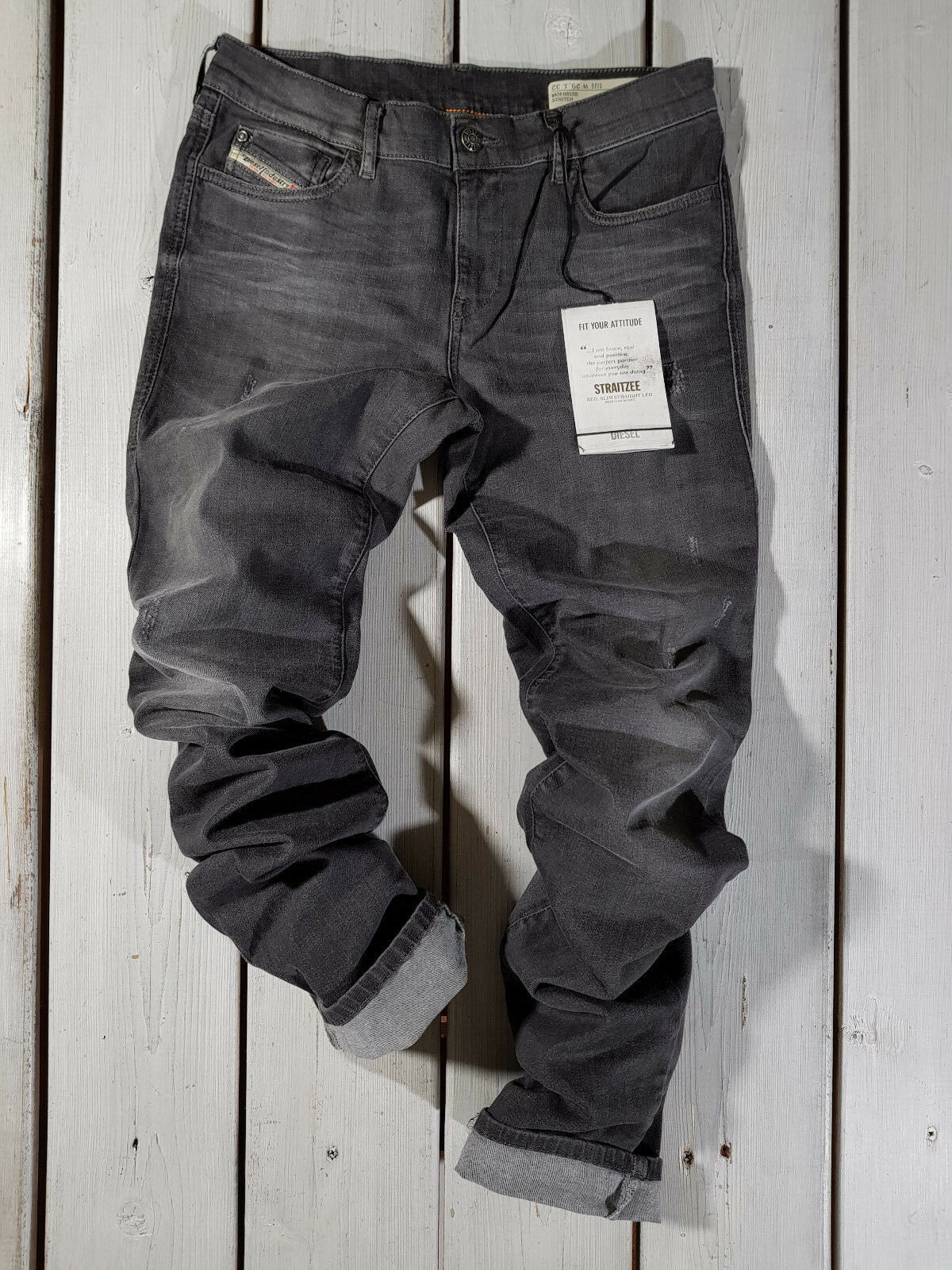 Neu Diesel DAMEN Jeans Straitzee 0815b Normale Passform Gerade Regular