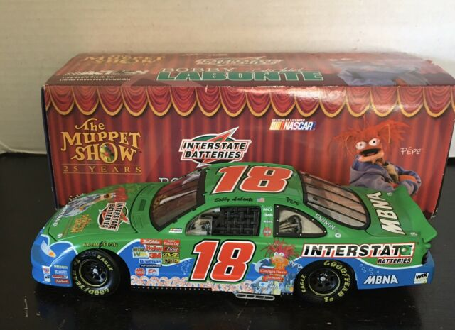 Action Bobby Labonte #18 Interstate Batteries Muppets 25th 2002 Grand Prix 1:24