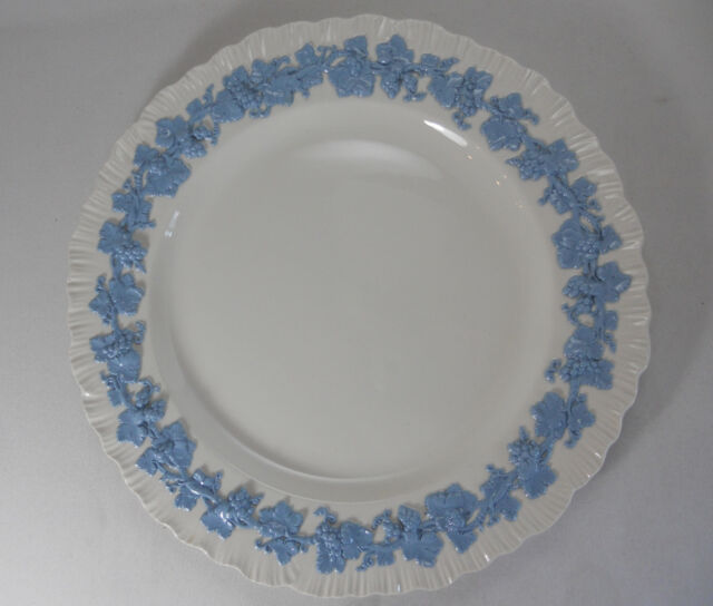 Wedgwood Queensware Lavender on Cream-Shell Edge Luncheon Plate