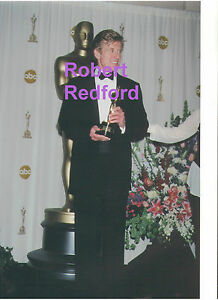 ROBERT-REDFORD-SEXY-HUNK-W-AN-OSCAR-AT-ACADEMY-AWARDS-RARE-UNSEEN-PRESS-PHOTO-Z