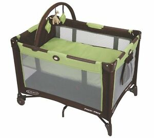Graco-Pack-n-Play-On-the-Go-Travel-PLAYARD-Handy-Wheel-BABY-PLAY-YARD-Go-Green