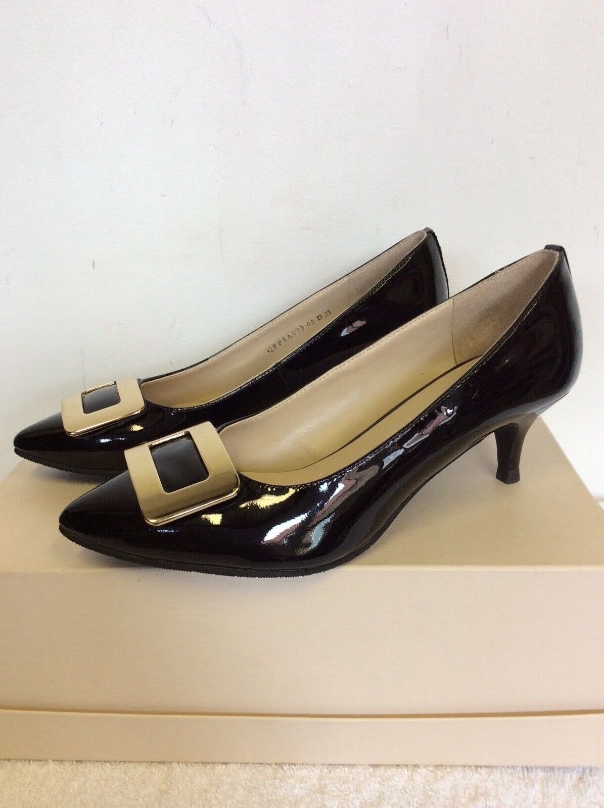 BRAND NEW LEATHER J WEST BLACK PATENT LEATHER NEW & GOLD BUCKLE TRIM HEELS SIZE 3/35 dc3a9a
