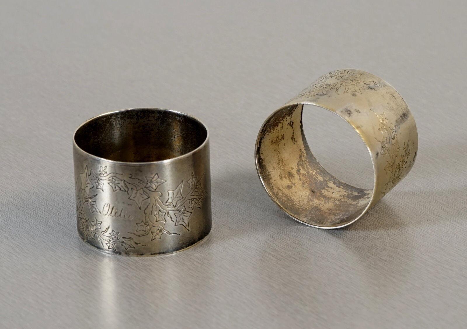 2 anelli RARE TOVAGLIOLI Tovaglioli Supporto argentati con monogramma del 1900 RAR