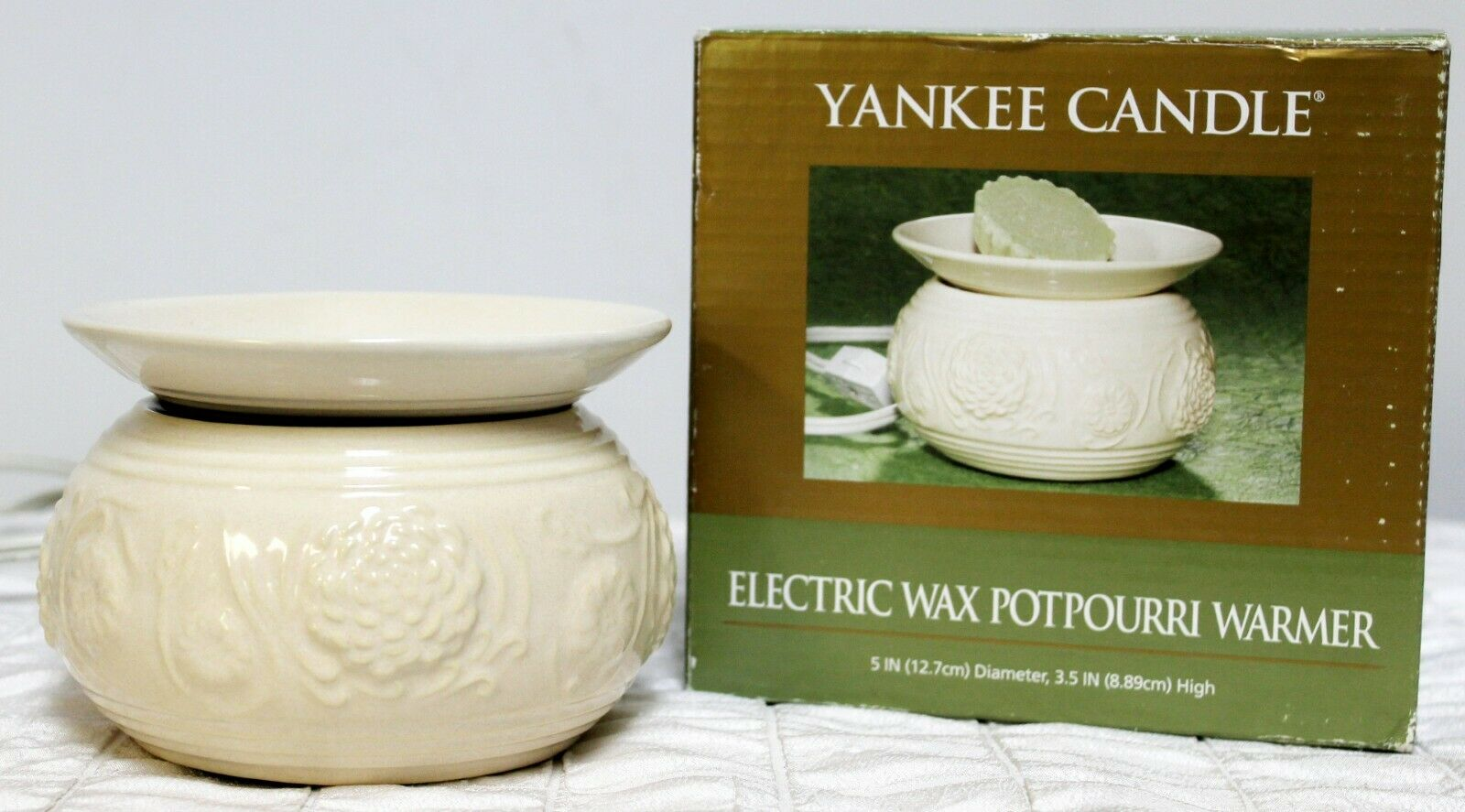 Yankee Candle Wax Warmer Potpourri Electric Oil White Flowers Pinecones