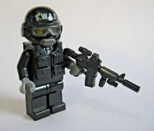 Custom Lego Swat Officer Minifigure With Brickarms M4 Tac More