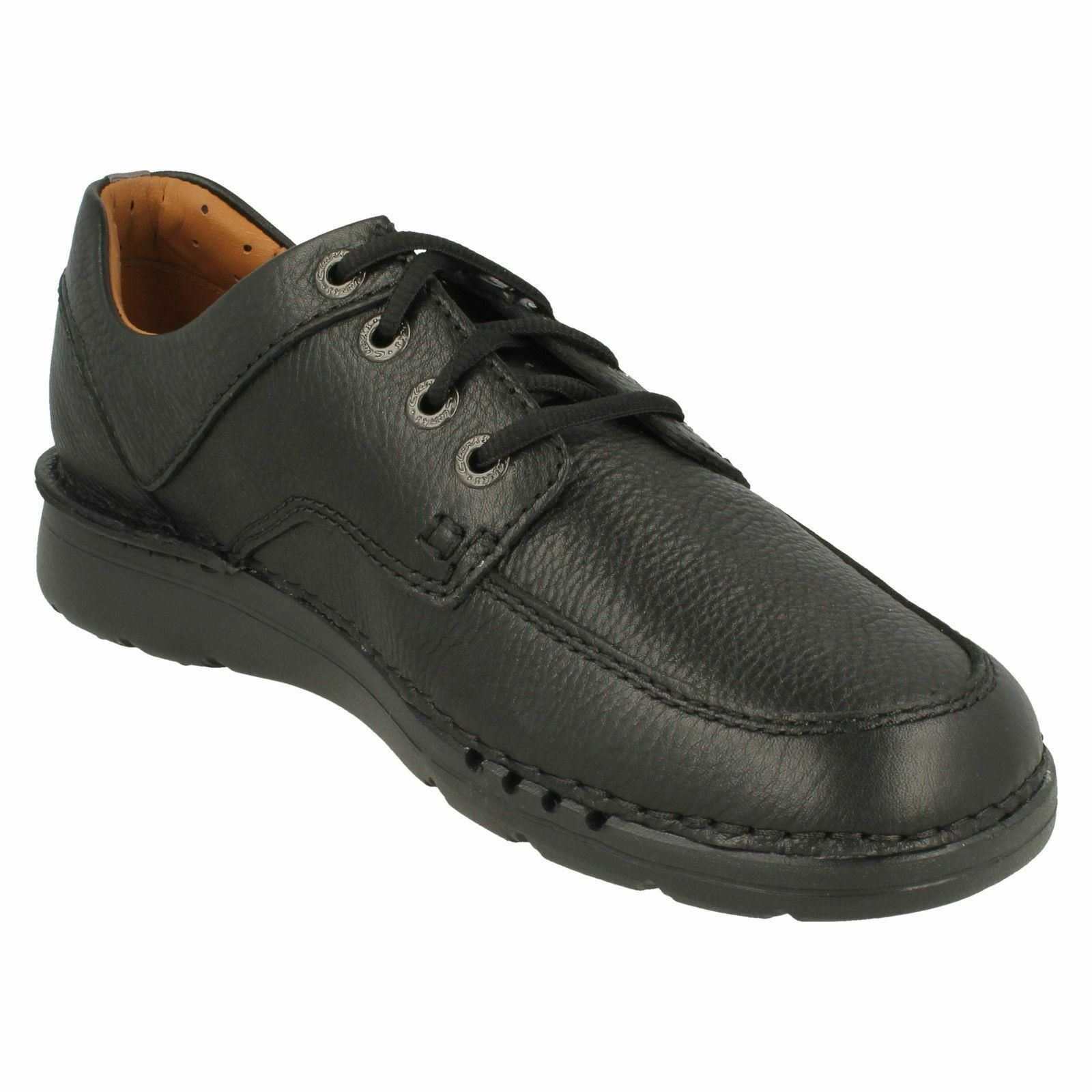 Uomo Clarks Aperti Unnature Scarpe Time Nero o Scarpe Unnature Stringate in pelle Marrone 93f031