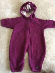 dc3ca2b76ea1 REI Girls Dark Purple Flowers Fleece Long Sleeve Hooded Snow Outfit ...