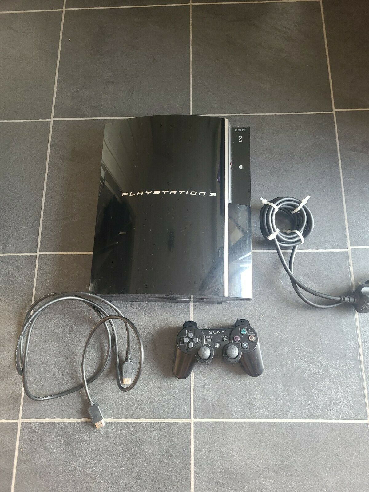 Sony PlayStation 3 Console - CECHJ03 Piano Black And Controller & Leads 40 GB