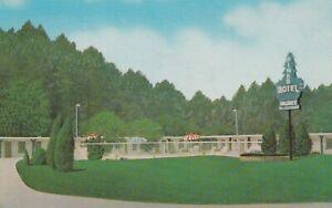 Marietta-GA-Pines-Motel-Exterior-and-Grounds-Signage