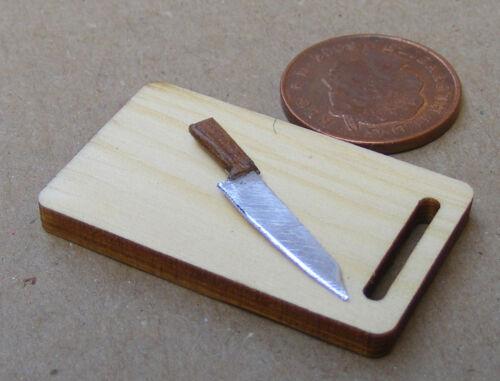 Échelle 1:12 large en bois à découper Board /& couteau tumdee Maison De Poupées Cuisine