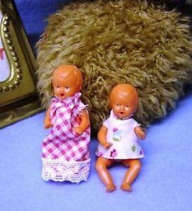 Puppenstuben-Puppen-Puppenhaus-Klein-Puppen-Plastik-Baby-5-cm-2er-Set-11005