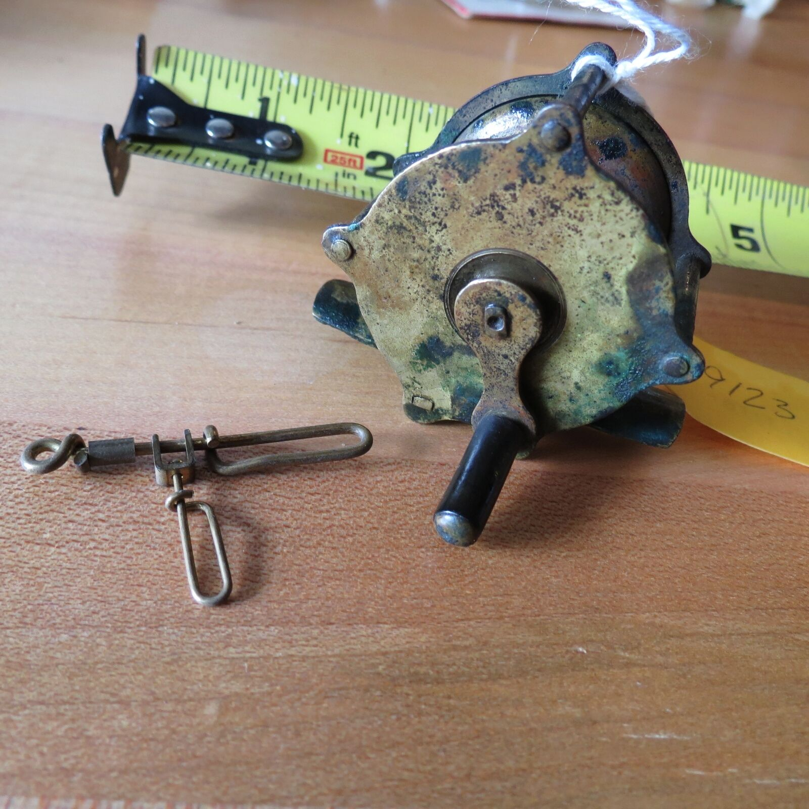 Antique Brass  fishing reel antique brass swivel  lot 9123