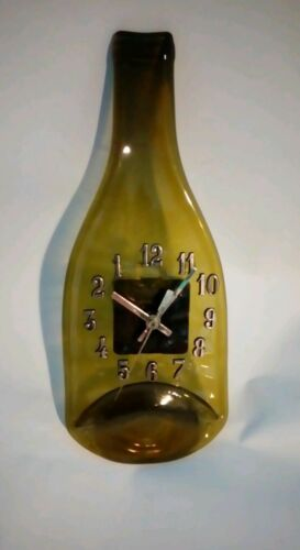 En arrière du vin et autres numéroté bouteille Horloges