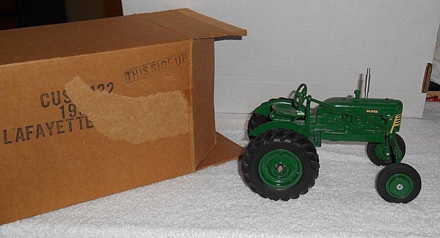 SpecCast  Oliver  Super 44 44 44 Die-Cast Tractor (1 16 Scale) e48b5d