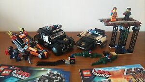 Lot-2-sets-LEGO-Movies-Police-70802-70808