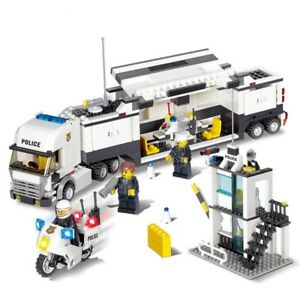 Lego-City-Street-Police-Series-Pack-8-IN-1-with-Truck-Station-Building-Blocks