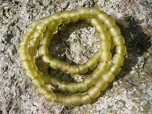 "Strang Altglasperlen Ghana Krobo Recycled Glass Beads 7-8 Mm ""lemon Green"" Entstehungszeit Nach 1945 Afrika"