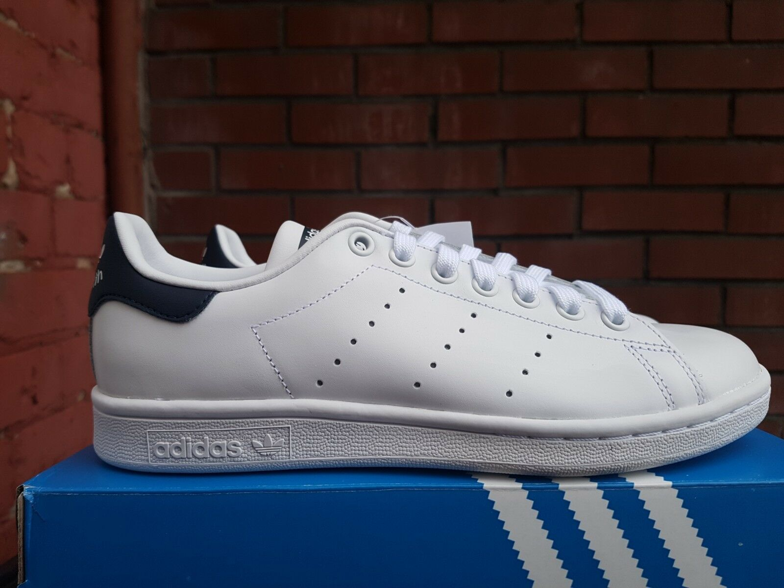 NEW IN THE BOX BOX BOX ADIDAS STAN SMITH M20325 SHOES FOR WOMEN 3cd5bd