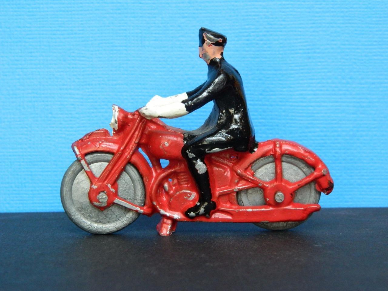 RARE BHL BRITISH HOME LIFE VINTAGE 1945-50 DIECAST POLICE MOTORCYCLE RIDER