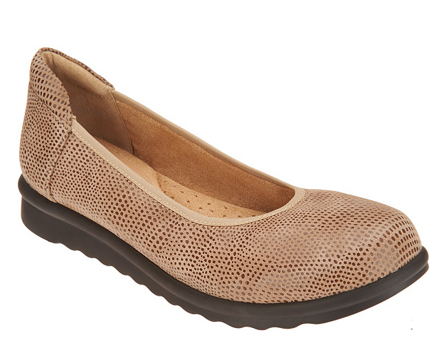 Vaneli Printed Leather Low Wedge Women's shoes Donia Taupe Size 6.5W Wide NEW