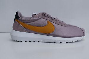Nike sneaker donna mod.W Roshe in camoscio lilla 4