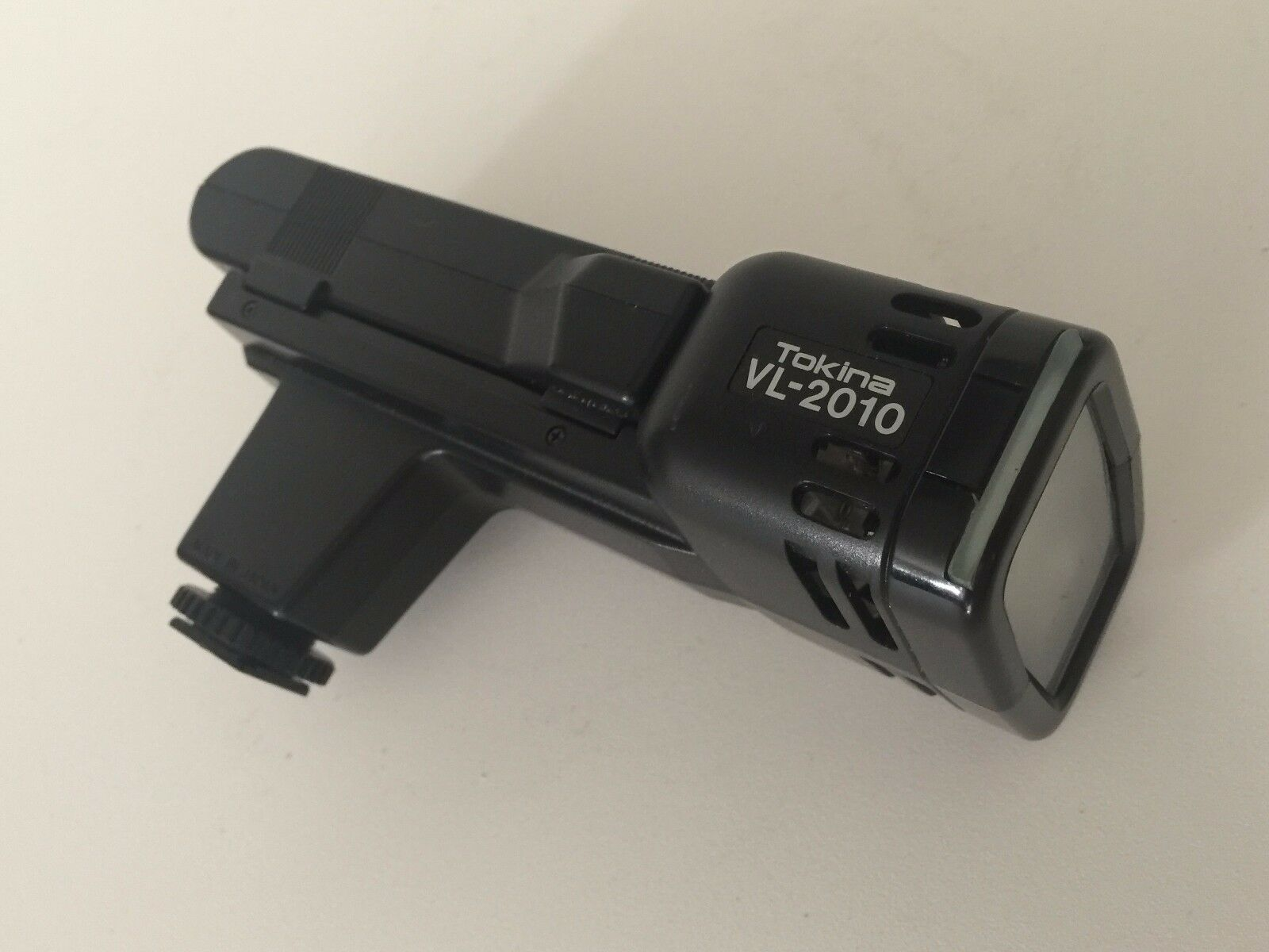 Tokina VL-2010 Potente Flash w/Battery (No Charger)