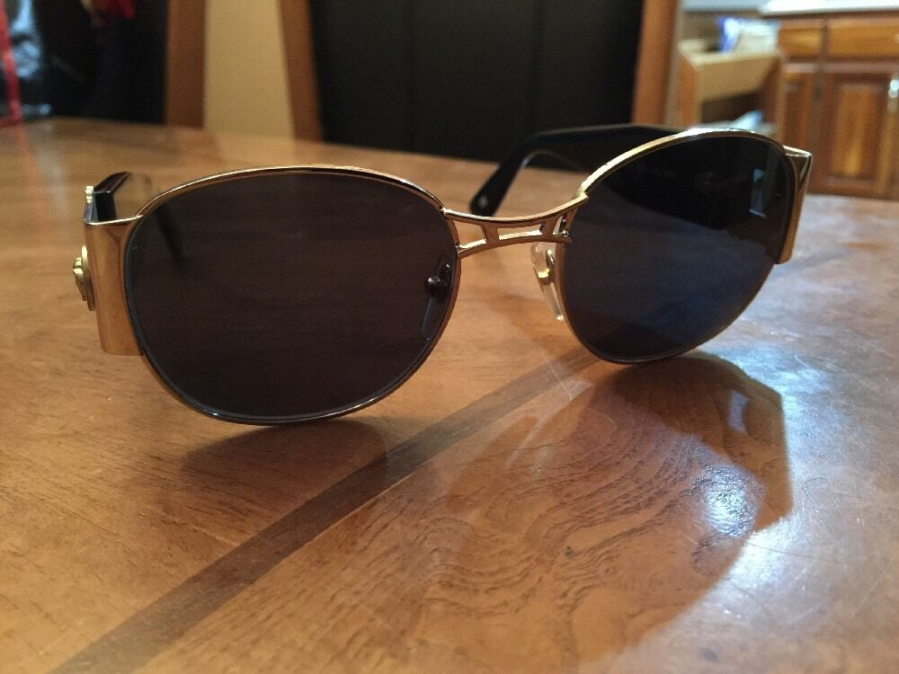 Gianni Versace Vintage Sunglasses MOD. S67 - image 1