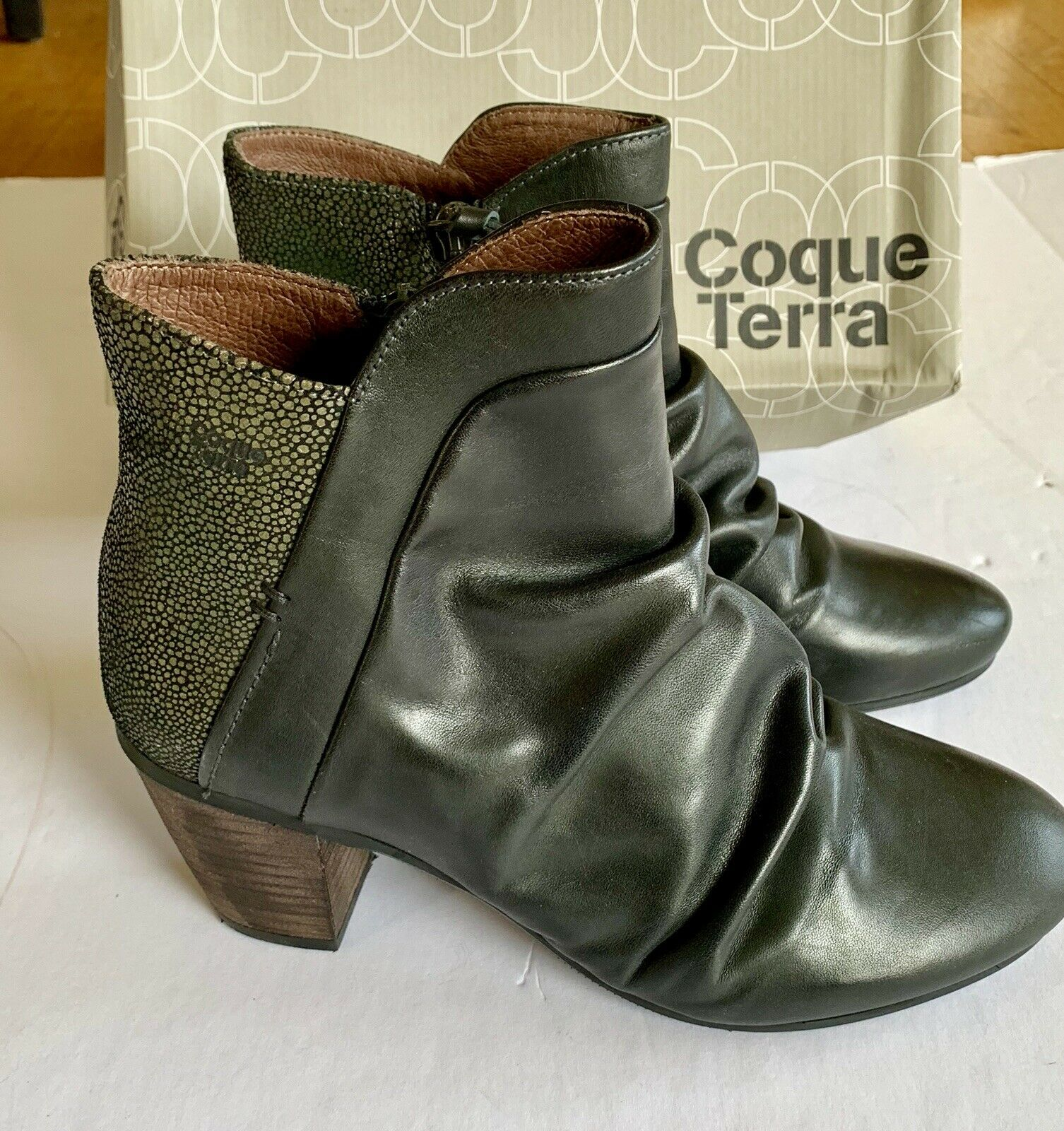 Coque Terra Ankle Boot Slouch Bootie Anthropology Snake Skin Size 39 8.5