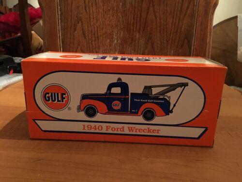 Rare  1999 Gulf 1940 Ford Wrecker Tow Truck Die-Cast 1//25 ERTL Stock# 19656 MIB