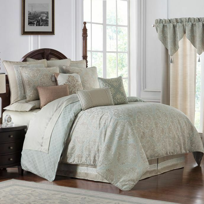 NEW Waterford Gwyneth Queen Reversible Comforter Set In Pale Blau
