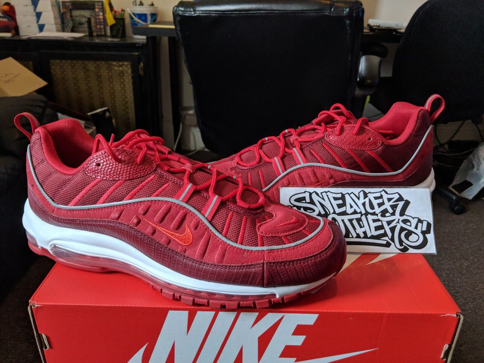 05ddb1e58045 Nike Air Max 98 98 98 SE Team Triple Red Habanero Gym White Men s Running  AO9380