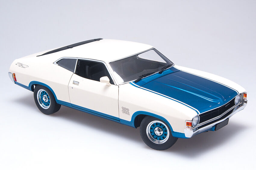 1 18 Scale Biante Ford XA Falcon Superbird - Cosmic bluee and  Polar White