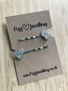 1-Pair-of-Sparkly-Grey-Heart-Button-Silver-Hair-Slides-New-Gift-Girls-Christmas