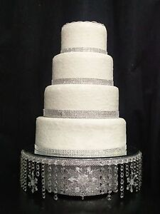 Crystal-Snowflake-Cake-Stand-Diamante-cake-stand-for-a-Winter-wedding