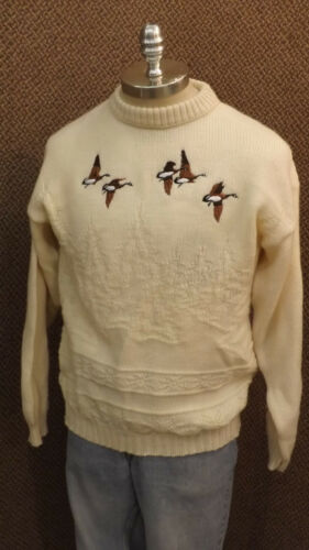 Vtg Pendelton Virgin Wool Knit Sweater wCanadian Geese sz Lrg USA made Hunting