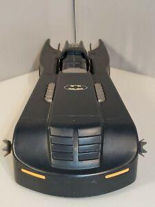 1993-Kenner-Batmobile-16-034-Batman-Animated-Series-Bat-Wing-Missing-Windshield