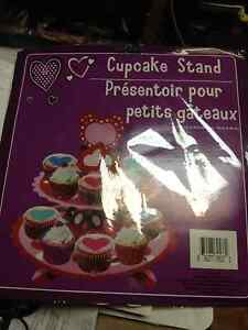 CUPCAKE-STAND-2-TIER-WITH-TOPPER-WEDDINGS-BIRTHDAYS-EVENTS-NEW-IN-PACK