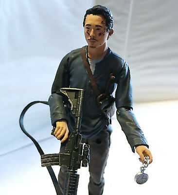 GLENN RHEE w/CUSTOM WEAPONS • C9 • THE WALKING DEAD