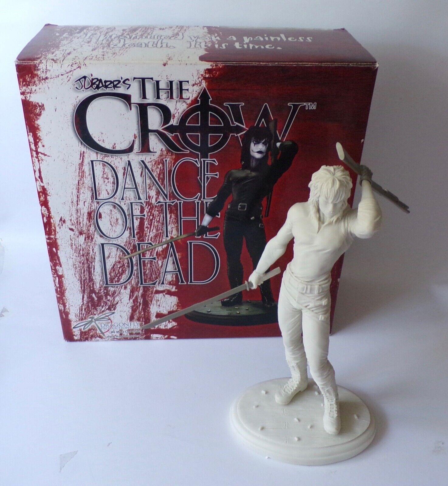 Dragonfly el Cuervo danza de los muertos  Eric Draven estatua  14  - película de terror