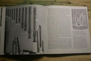 Sammlerbuch-alte-historische-Musikinstrumente-Harfe-Klavichord-Dekore-Floete