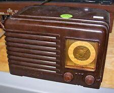 Fada Bakelite AM Radio