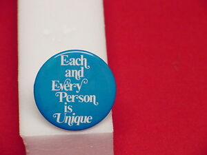 Vintage-Pin-Every-Person-is-Unique-EACH-and-EVERY-PERSON-IS-UNIQUE-I-Could