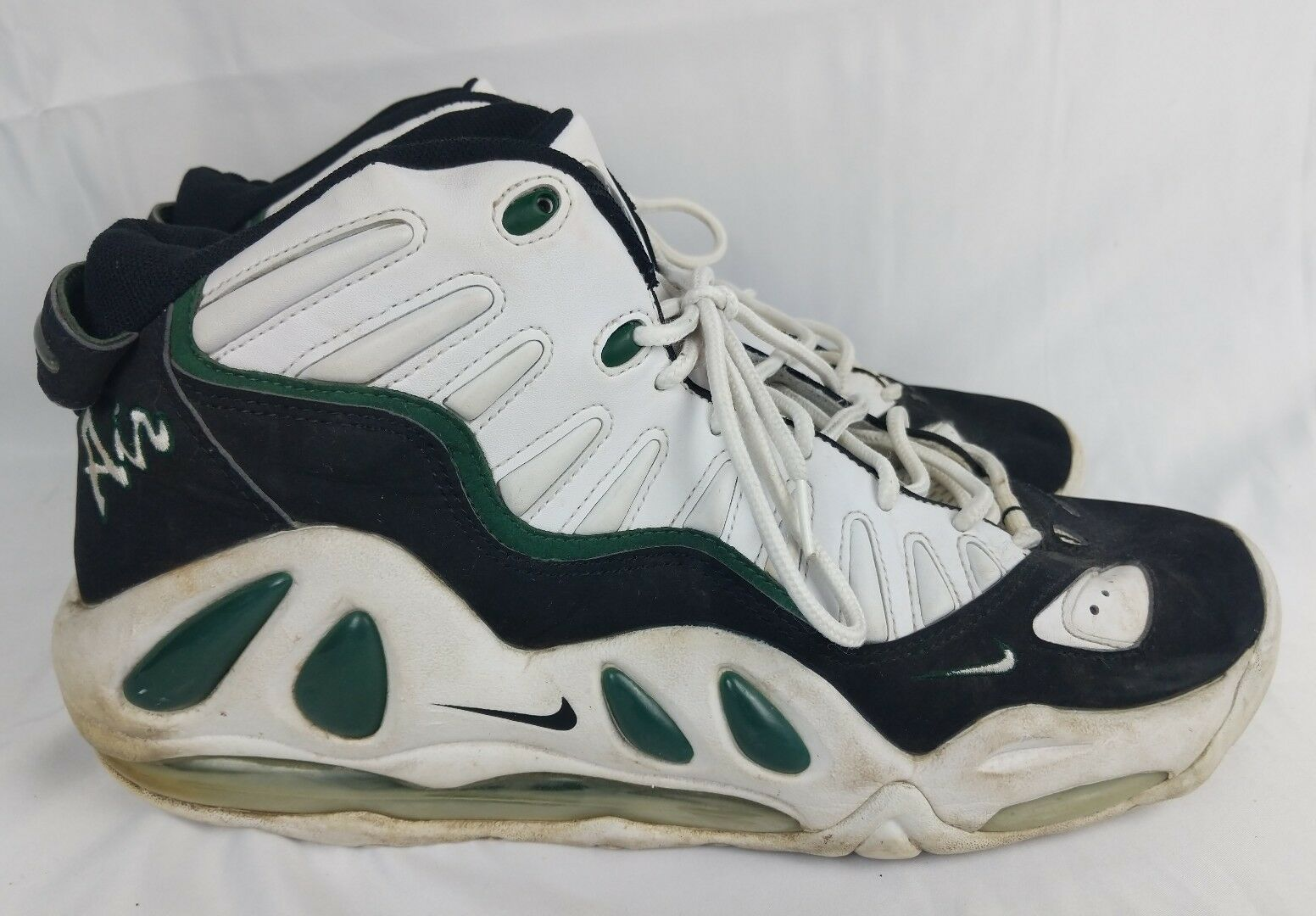 Vintage Nike Air Scottie Pippen Shoes White Black Green Size 17