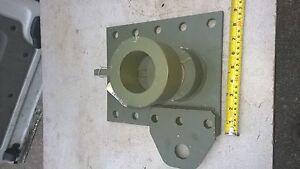 OSHKOSH-inferiore-telaio-supporto-pezzi-P-N-5kk971