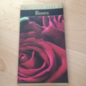 THE-LITTLE-BOOK-OF-ROSES-JACQUES-BARRAU-ISBN-2080106759