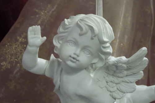 Schwebender Engel Putte Schutzengel Christbaumanhänger Weihnachtsschmuck weiß