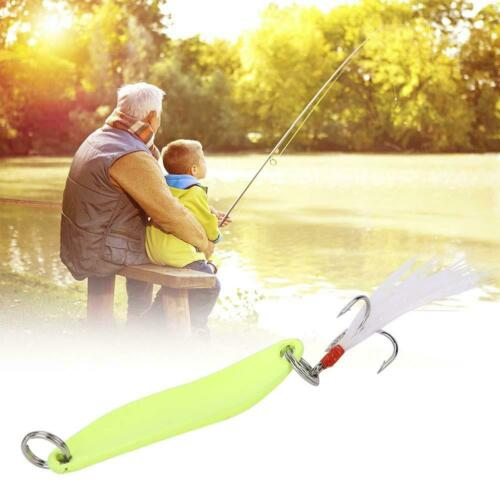 1Pcs Hard Metal Fishing Lure Small Minnow Bass Crank Bait with Tackle Fish Hooks