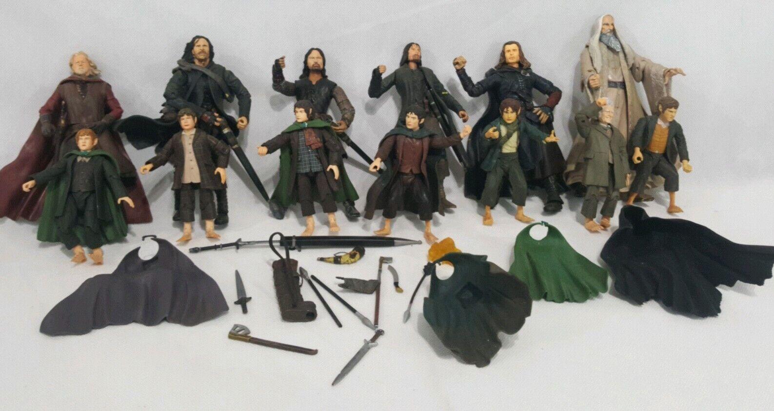 LE SEIGNEUR DES  ANNEAUX TOY BIZ Lot ARAGORN STRIDER Hobbits saurmon KING accessoires  livraison gratuite