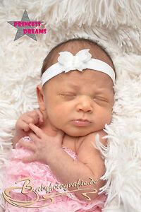 8277f24c3633d1 Das Bild wird geladen Princess-Dreams-Maedchen-Baby-Haarband-Taufe-118-weiss -