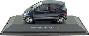 Mercedes-Benz-Clase-un-modelo-de-coche-azul-1-43-escala-Schuco-CLASSE-B66961926-K8